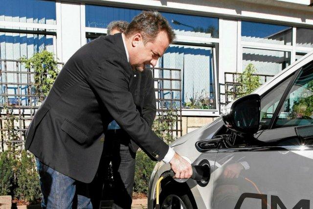 """""""Magazyn energii"""" może utorować drogę do umasowienia elektromobilności."""