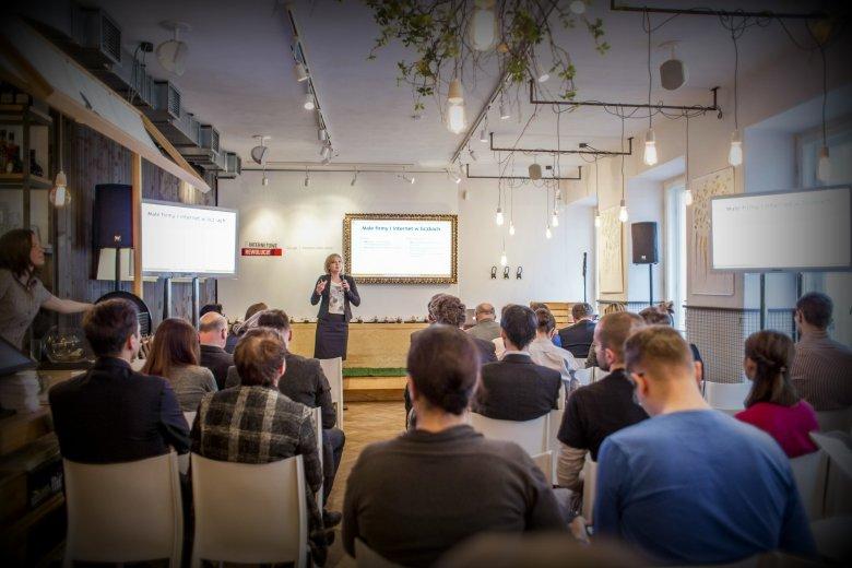 Podczas konferencji wystąpiła dr Justyna Jasiewicz z centrum Cyfrowego Projekt Polska, która była szefową działu badań na podstawie których opracowano Katalog Kompetencji Cyfrowych