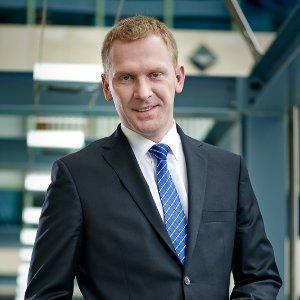 Dr Michał Macierzyński – Zastępca Dyrektora Centrum Bankowości Mobilnej i Internetowej w PKO Banku Polskim.