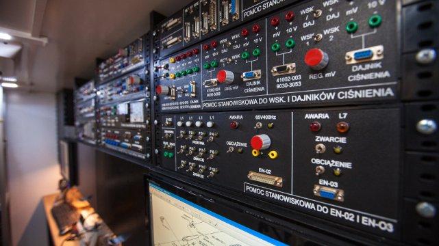 System czarnych skrzynek wyjmowanych i podłączanych do systemu monitoringu RBO