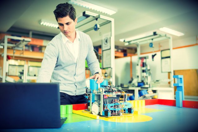 Roboty są coraz bliżej zastąpienia ludzi w wielu zawodach.
