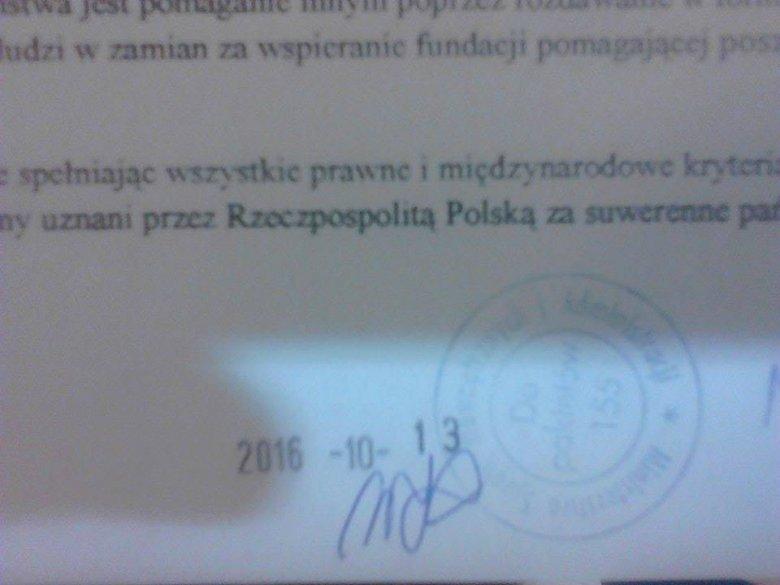 Pieczątka MSWiA pod dokumentem, w którym Mieszko Makowski powiadamia o utworzeniu mikropaństwa Kabuto.