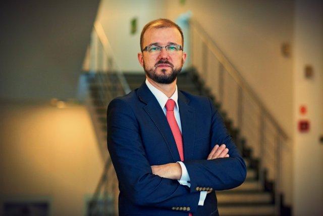 dr Piotr Dardziński, od listopada 2015 wiceminister nauki i szkolnictwa wyższego.