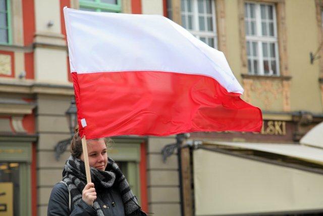 Wynik zadowolenia z polskiej gospodarki jest wyższy niż w ubiegłym roku