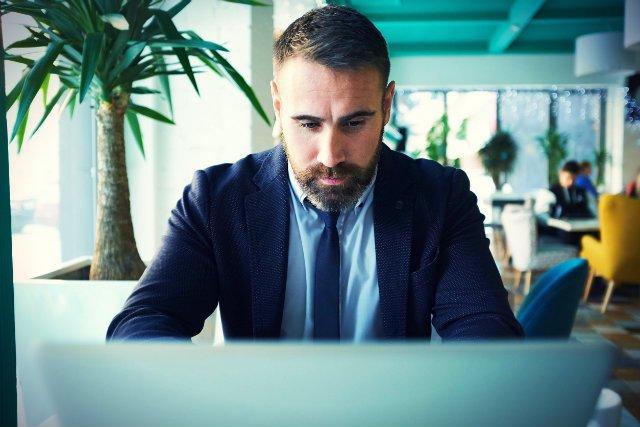 Interim manager, ze względu na powierzone mu zadania, jest często narażony na silny stres i działa pod presją