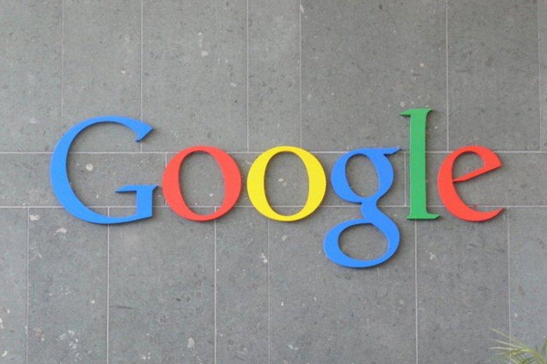 Google przegrało z Microsoftem walkę o mały tort w Facebooku.