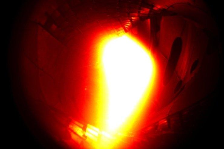Plazma wyprodukowana w reaktorze Wendelstein 7-X. Jej temperatura sięgnęła ok. 1 mln stopni Celsjusza