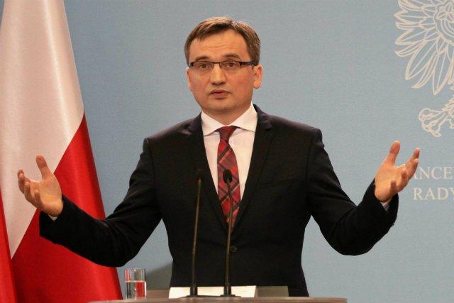 Zbigniew Ziobro przedstawia rządowy projekt mający zapobiegać wyłudzeniom VAT