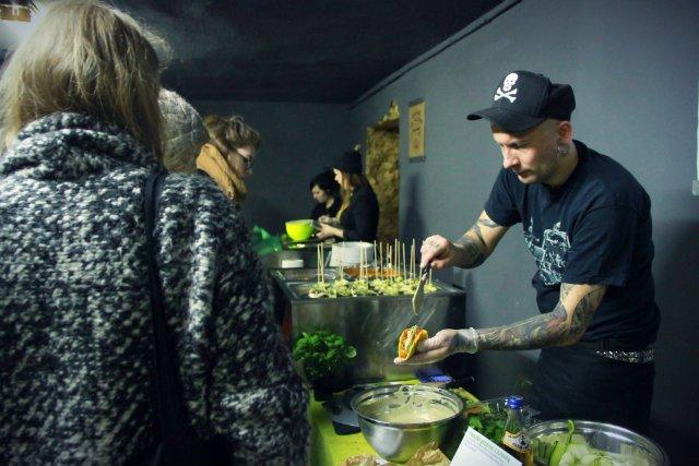 Według badań firmy badawczej Mintel weganizm lub wegetarianizm deklaruje aż 10 proc. młodych Polaków