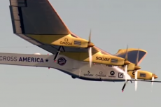 Solar Im¬pul¬se 2 - samolot zasilany wyłącznie energią odnawialną, wystartował w pierwszy lot dookoła świata.