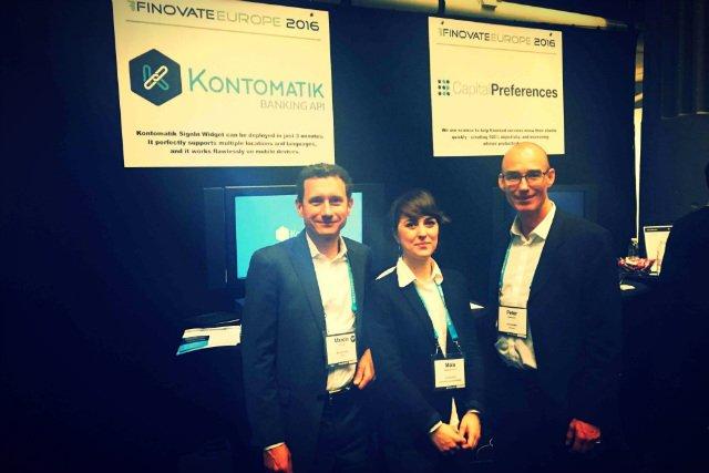 Marcin Truszel ze swoimi współpracownikami na konferencji Finovate w Londynie, luty 2016