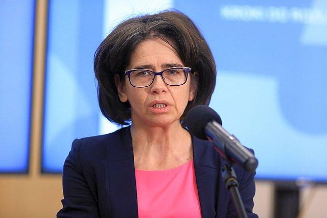 Minister Anna Streżyńska przyspieszyła prace nad CEPIK-iem 2.0. System z informacjami o pojazdach ma być dostępny już jesienią