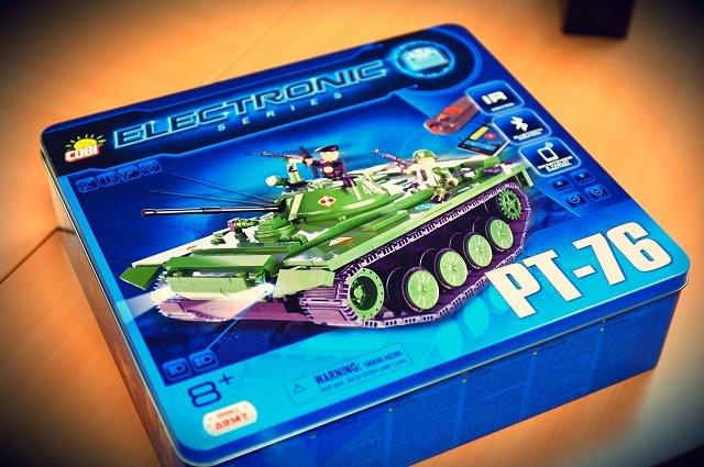 Jeden z nowszych zestawów COBI - czołg, który może być sterowany smartfonem