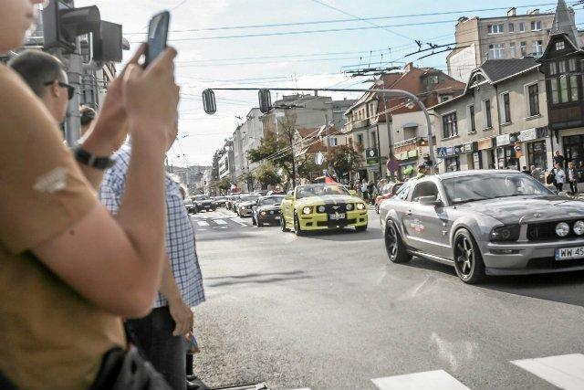 Mustang pobił na głowę swoją konkurencję w Polsce.
