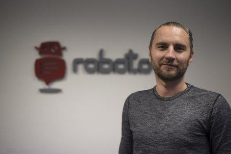 Bartosz Lewandowski, założyciel i prezes Roboto.