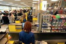 Polskie sieci supermarketów eksperymentują z samoobsługą.