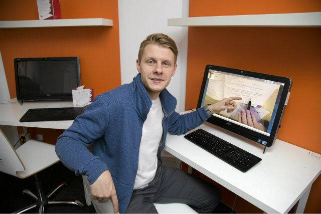 Łukasz Krysztopik, start-up Nauczymy Cię. Stworzył korepetytorską sieć, która oplata całą Polskę. Na razie nie planuje ucieczki z Polski. Chodzi o to, by takich przypadków było jak najwięcej.