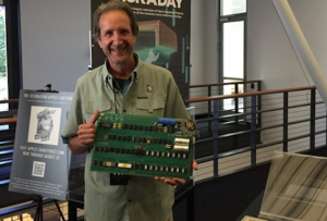 Licytator z Apple-1.