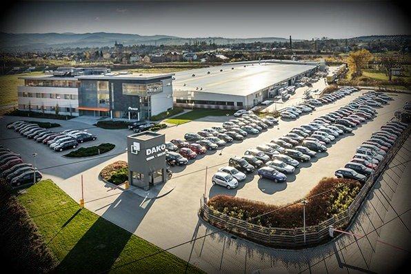 Siedziba firmy i hala produkcyjna, całość o łącznej powierzchni 13500 m2