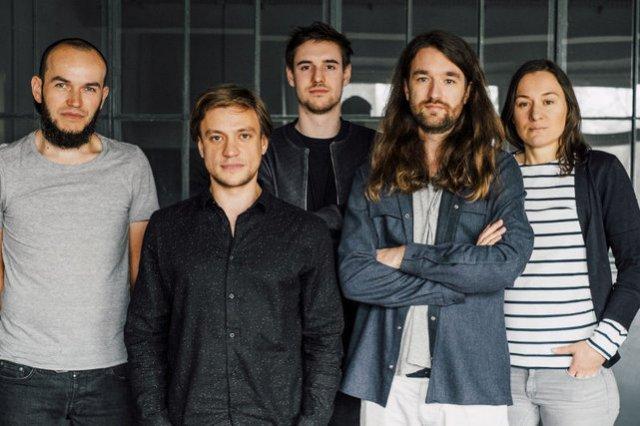 Zespół odpowiedzialny za Tylko.com. Od lewej  Michał Piasecki, Mikolaj Molenda, Benjamin Kuna, Jacek Majewski, Hanna Kokczyńska