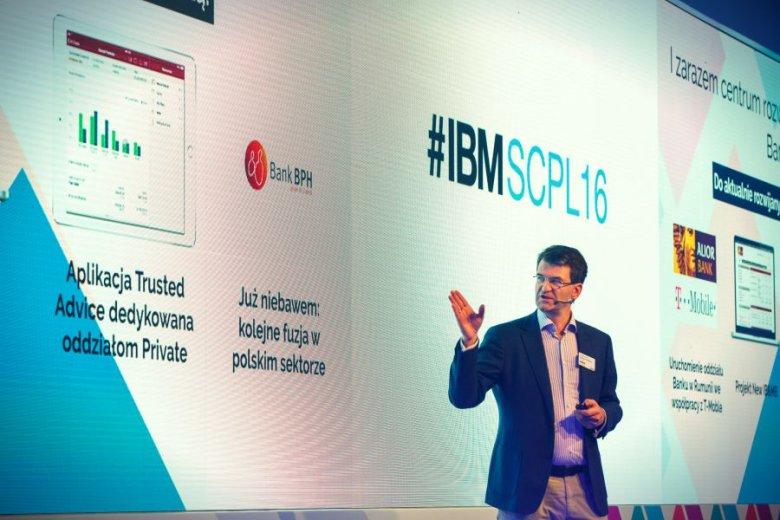 Zbigniew Płuciennik podczas występu na konferencji IBM SolutionsConnect 2016.