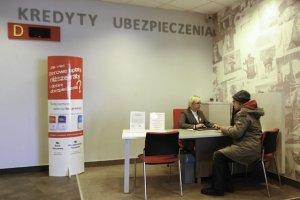 Nowe podwyżki to w obecnej chwili potężny cios dla Poczty Polskiej.
