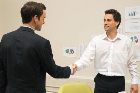 Biznes prowadzi się przez cały rok. Poznaj 5 codziennych zachowań skutecznego przedsiębiorcy, które to ułatwiają.
