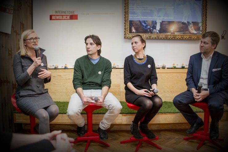 W panelu dyskusyjnym wzięli udział Katarzyna Wierzbowska (Fundacja Przedsiębiorczości Kobiet), Paweł Kozak-Raszkowki (Ola&Olo) oraz Anna Skórzyńska (Misie Szumisie). Moderatorem był Alek Tarkowski (dyrektor Centrum Cyfrowego Projekt Polska)