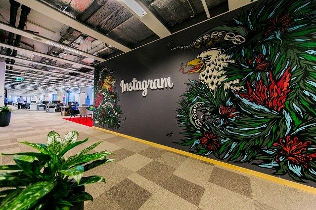 Oprócz aplikacji Messenger i firmy Oculus Rift, do Facebooka należy również Instagram, aplikacja do publikowania zdjęć.