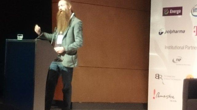 Aubrey de Grey, PhD., Chief Science Officer, SENS Research Foundation tłumaczy co zrobić żebyśmy zatrzymali starzenie się organizmu