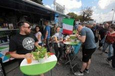 Food trucki cieszą się w Polsce rosnącą popularnością. Dwaj łódzcy oszuści postanowili to wykorzystać i sprzedawali fałszywą licencję franczyzową na taki biznes