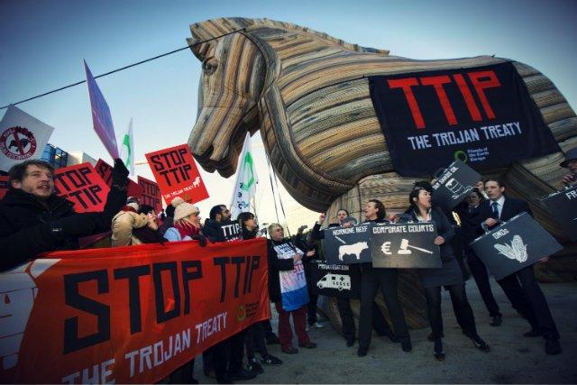 Protesty przeciwko TTIP w Brukseli, luty 2015 r,